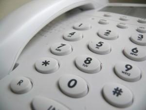 Zdjęcie klawiatury telefonu na stronie kontaktu